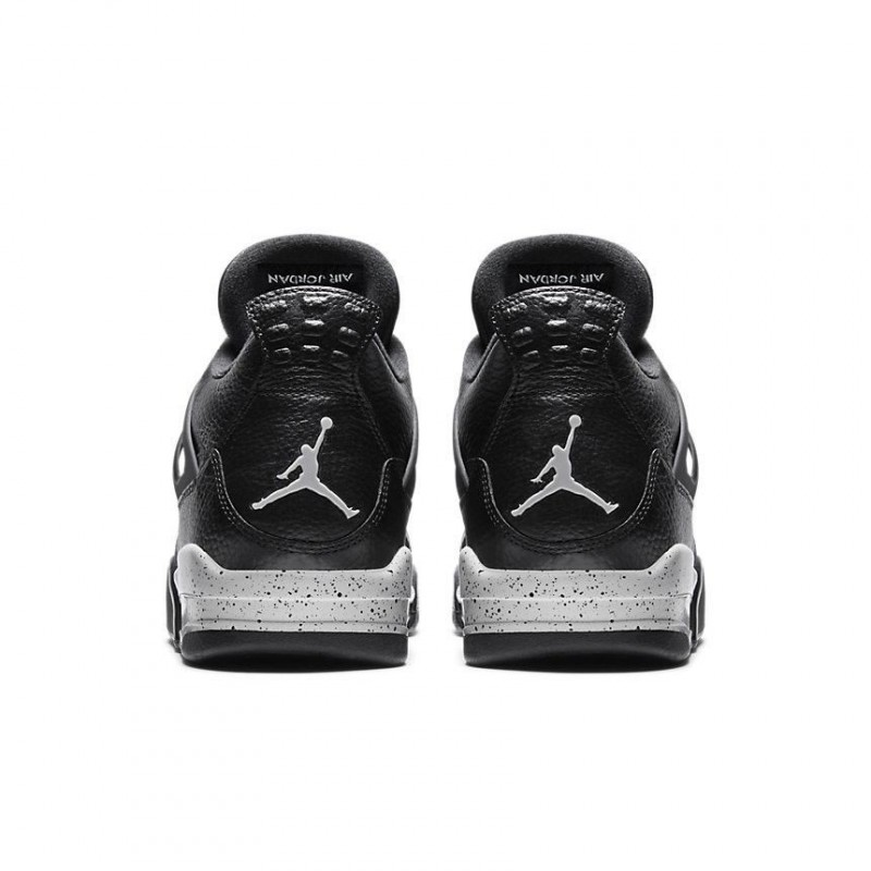 Air Jordan 4 Retro Oreo Remastered
